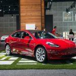Tesla cedează și adaugă ofertei sale mufe chinezești de încărcare