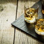 """Se numește """"Apa vieții"""" și este bună pentru sănătatea ta. 10 motive pentru care ar trebui să consumi această băutură!"""