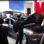 Tesla aduce Model 3 în mai multe magazine din SUA