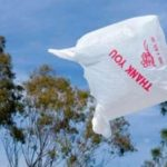 România interzice, din vară, pungile din plastic