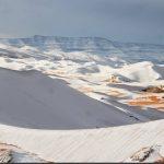 Zăpada acoperă dunele din Sahara