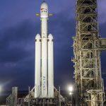 Bezos le-a urat succes lui Musk și SpaceX pentru lansarea Falcon Heavy