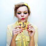 Cum combat nutriționiștii poftele după dulciuri și gustări sărate?