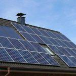 În sfârșit ca în Germania. Persoanele fizice care vor să producă energie regenerabilă în capacităţi de până la 100 kW vor putea vinde electricitatea în reţeaua de distribuţie