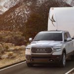 Ce procent din camionetele americane vor fi plug-in până în 2025?
