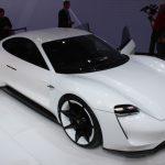Porsche va construi o rețea de 500 de încărcătoare rapide