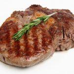 Carnea roșie, asociată cu un risc ridicat de cancer la femei